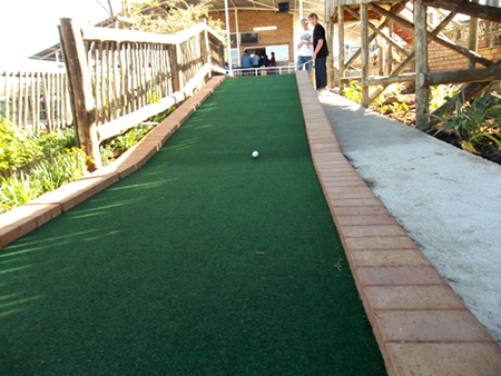 ninth hole of mini golf course in Beacon Bay