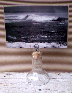 upcycled bottle with circular wire photo holder
