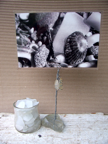 wire and white sea glass photo holder