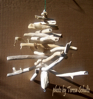 driftwood Christmas tree - make a homemade Christmas tree to save money at Christmas time