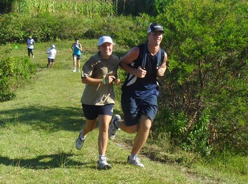 runners enjoy the 5km 2016 Tomato Trot run