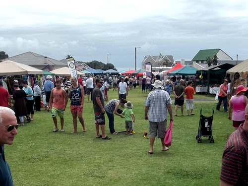 shopping at Christmas markets in South Africa - at Kidds Beach near East London in 2014